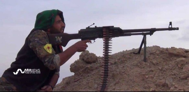 A Kurdish fighter from the YPG on the anti-ISIS fighting front south Hasakah. Photo: ARA News