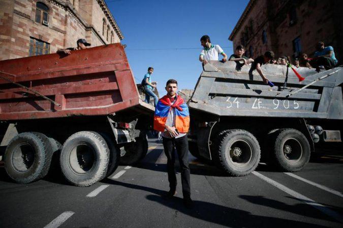 De fluwelen revolutie in Armenië: na de euforie, transitie naar de ware democratie?