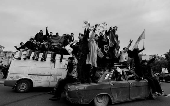 Getuigenis: De Fluwelen Revolutie in Armenië: een getuigenis