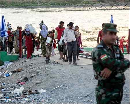 Pesh-Khabor-bridge-Semalka-border-between-Iraqi-Kurdistan-and-Syrian-Kurdistan-2014-photo-cnn