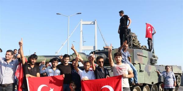 verschillende-scenarios-voor-coup-turkije1468664722-600x300