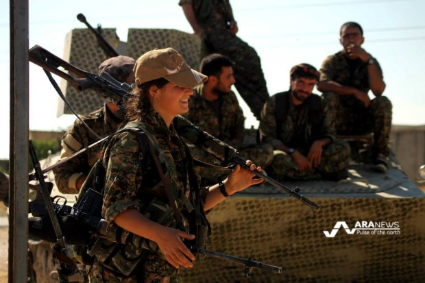 Kurdish female fighters of the YPJ joining the fight against ISIS north Raqqa. Photo: ARA News
