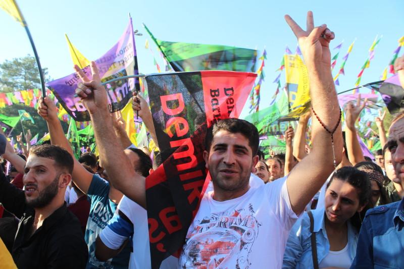 HDP-verkiezingsbijeenkomst in Diyarbakir (Amed) voor de presidentsverkiezingen, augustus 2014. Foto: Kristel Cuvelier