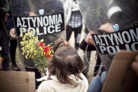 Vluchtelingenprotest in Griekenland loopt op niets uit. 'Is dit nu Europa? Is dit democratie?'