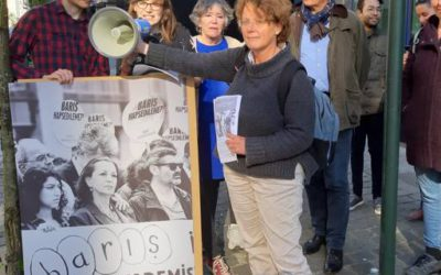 Protestactie aan Turkse ambassade tegen opsluiting Academici voor Vrede