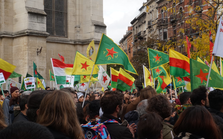 Rusland en Turkije leggen bom onder revolutie in Rojava