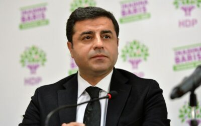 Het Europees Hof voor de Rechten van de Mens roept Turkije op om Selahattin Demirtas onmiddellijk vrij te laten